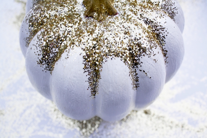 DIY Glitzy Pumpkin