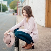 Blush Sweater & Rockport Shooties